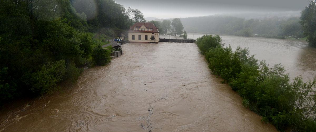 Pressefotografie Hochwasser Neckar